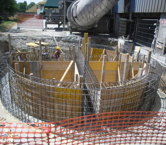 Elevazione muri in c.a per basamento silo ceneri volanti presso Stabilimento Buzzi S.p.a