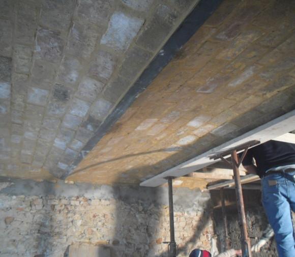 Realizzazione solai a putrelle e voltini in mattoni vecchi